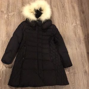 QUA Goose Down Coat